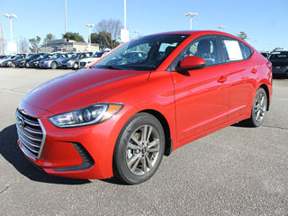2018 HYUNDAI ELANTRA SEL front Veiw in Greenville, Greer, Spartanburg, Anderson, Easley, Simpsonville, Greenwood, Newberry SC and Asheville NC. Selling New Hyundai Cars and Used Cars and Trucks